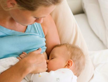 Какие продукты помогают в образовании грудного молока?